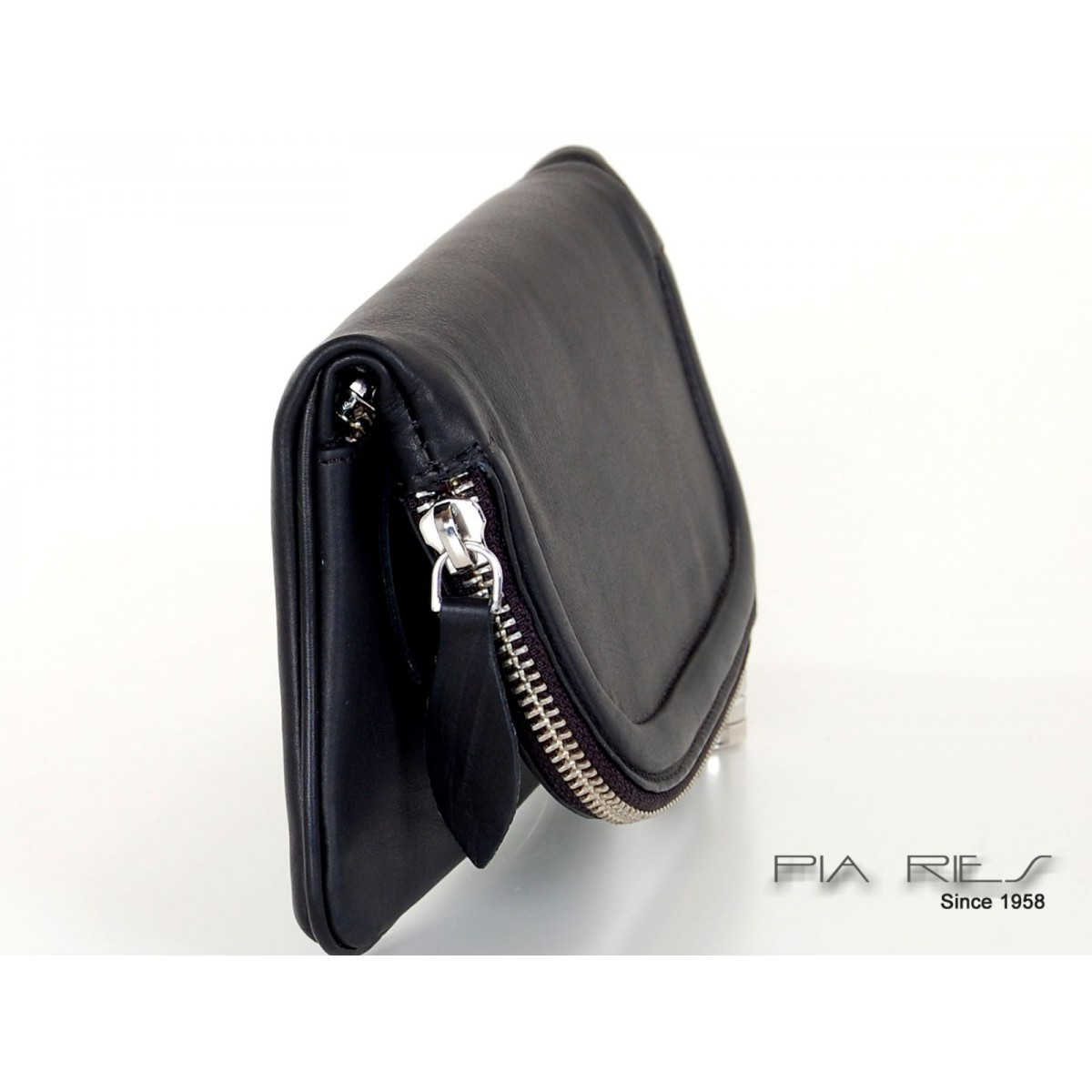 Elegant clutch-31